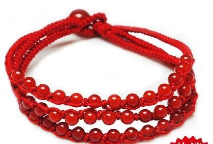 一款红绳手链编法~~高手进