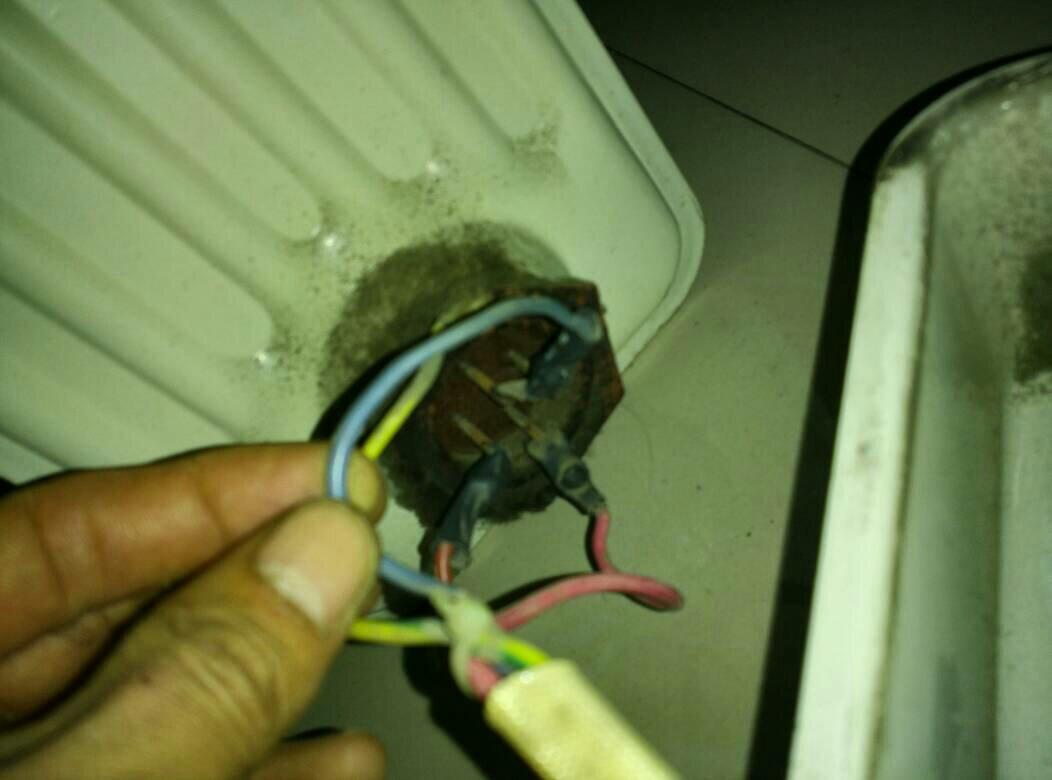 电暖气怎么接线!