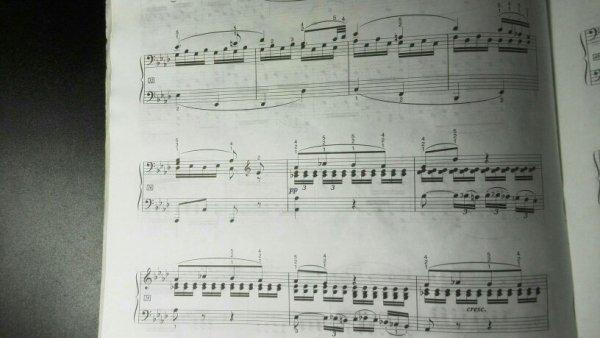 求贝多芬悲怆2的钢琴谱