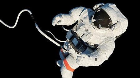如果宇航员在太空行走时彻底脱离了飞船,会怎么样?