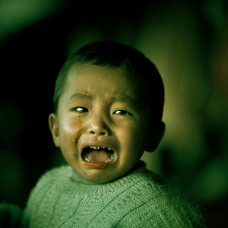 可能是收到委屈吧?这个小男孩哭的特别厉害.图片