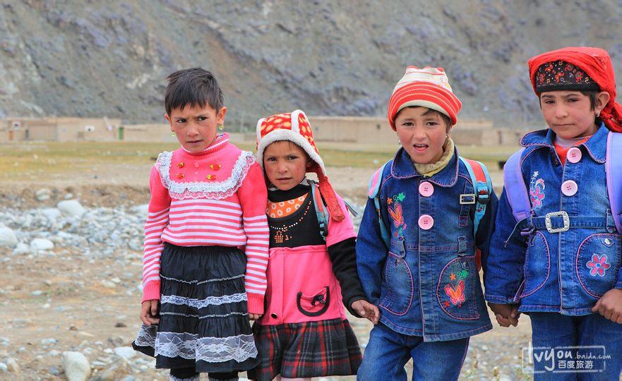 新疆的小娃娃们,单纯的眼神图片
