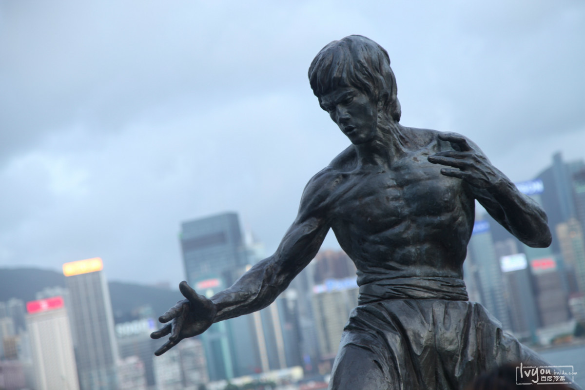 李小龙雕像图片