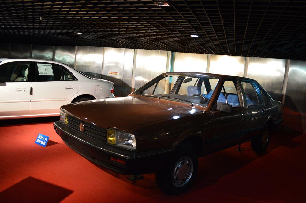 上海大众桑塔纳经典车型图片
