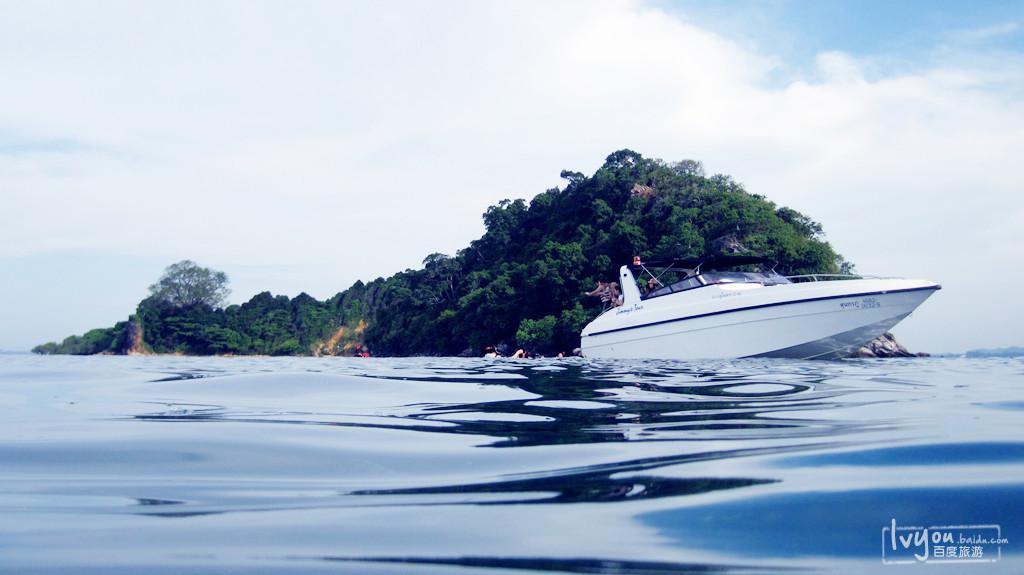 可以选择在沙美岛本岛附近自由浮浅,或者也可以搭乘快艇去其他的小岛