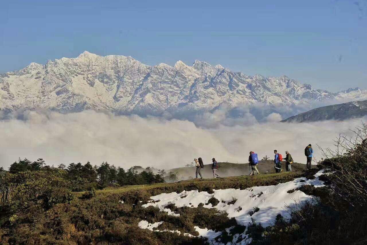徒步4小时的绝美风景-华尖山,云海,星轨…哪个是你所爱?