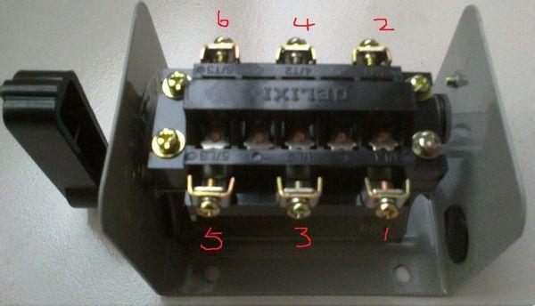 单相电动机5个接线桩,倒顺开关正反转接线图,求助谁有
