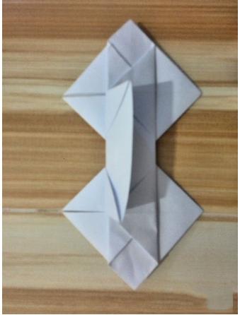 一箭双心心形折纸方法