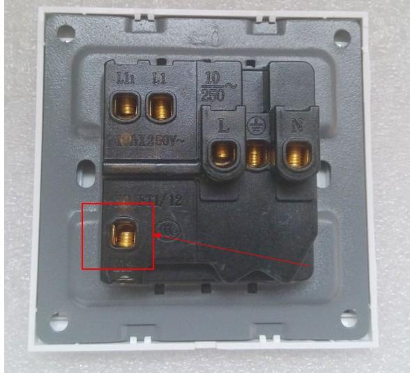 五孔带开关插座带控制电灯.如果接线.有图