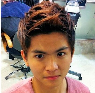 四,男士长脸朋克飞机头刘海发型   类似朋克的男生短发发型设计图片