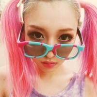 这个女生渐变头发的位置是谁粉色女孩具体图片