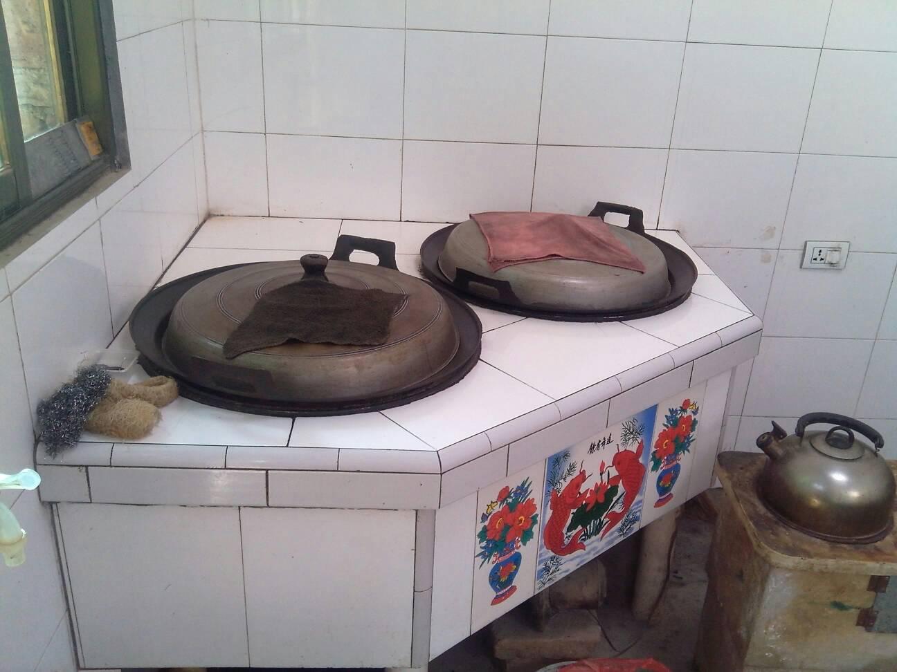 陕西农村厨房带灶台的图片图片