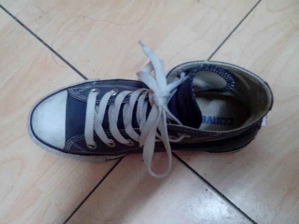 求匡威经典款高帮鞋鞋带系法,鞋带好长啊,看网上说什么往鞋后跟绕一圈