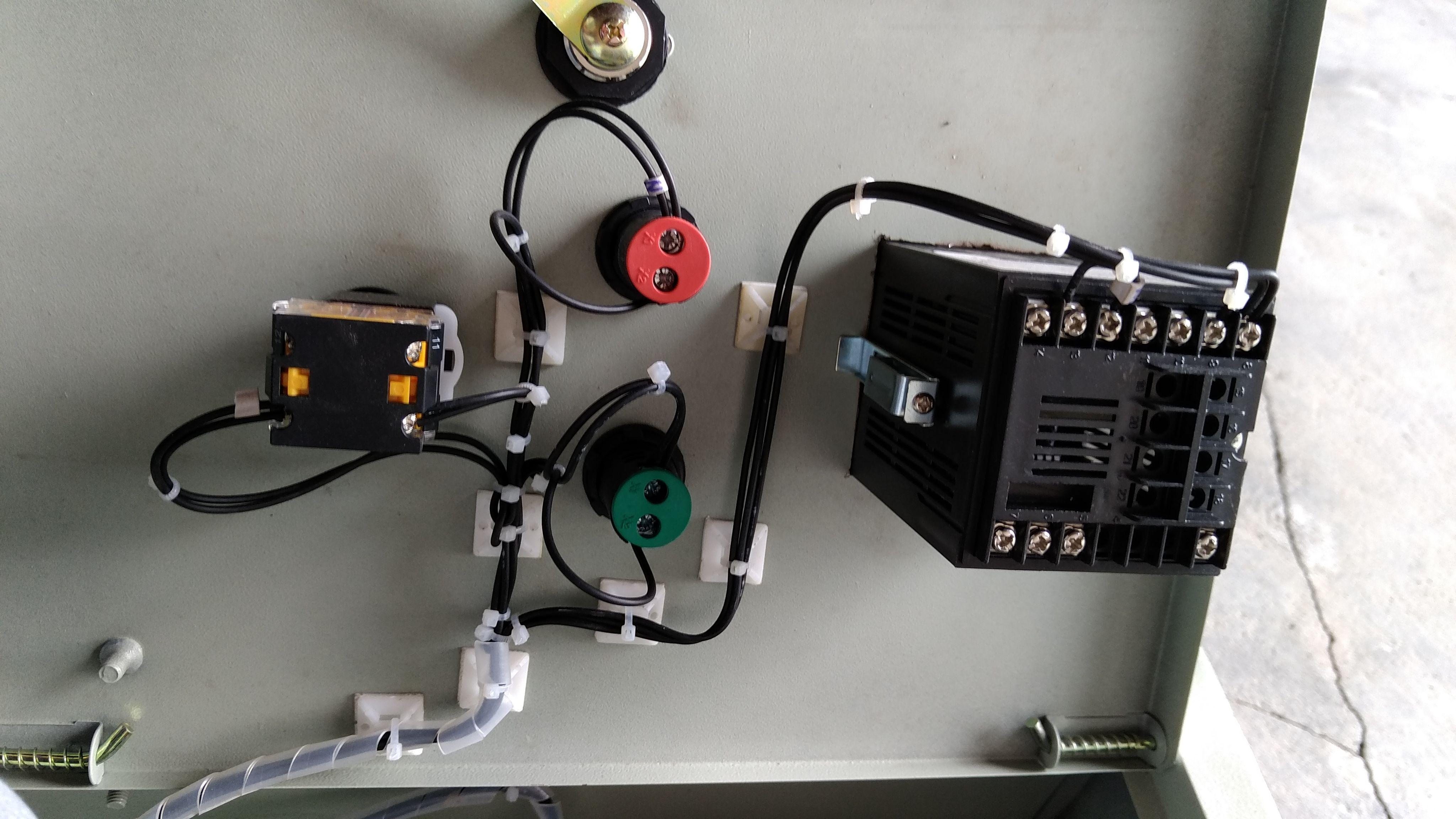 温控器怎么接双相220V交流接触器,正泰CJX2-2510的,最好有图急(图2)  温控器怎么接双相220V交流接触器,正泰CJX2-2510的,最好有图急(图4)  温控器怎么接双相220V交流接触器,正泰CJX2-2510的,最好有图急(图8)  温控器怎么接双相220V交流接触器,正泰CJX2-2510的,最好有图急(图10)  温控器怎么接双相220V交流接触器,正泰CJX2-2510的,最好有图急(图12)  温控器怎么接双相220V交流接触器,正泰CJX2-2510的,最好有图急(图14)