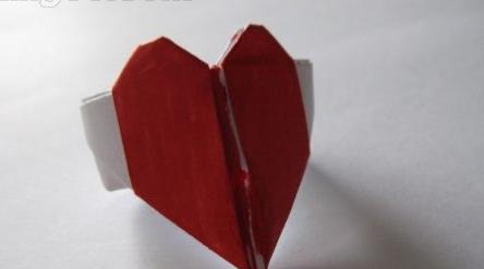 如何用纸折戒指