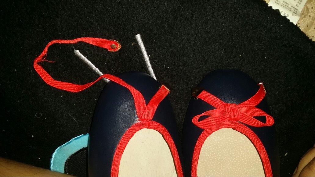 这种蝴蝶结怎么系啊?带子固定了的一长一短.