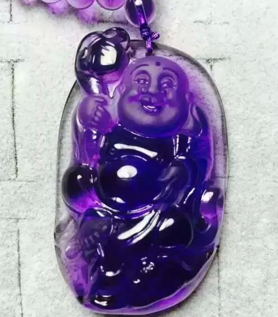 下面这个是紫水晶的雕刻件