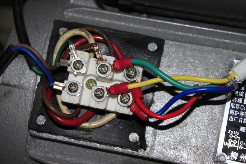 电机倒顺开关如何接线