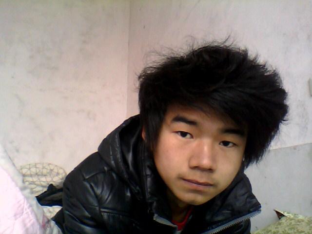 男生齐刘海好看吗?