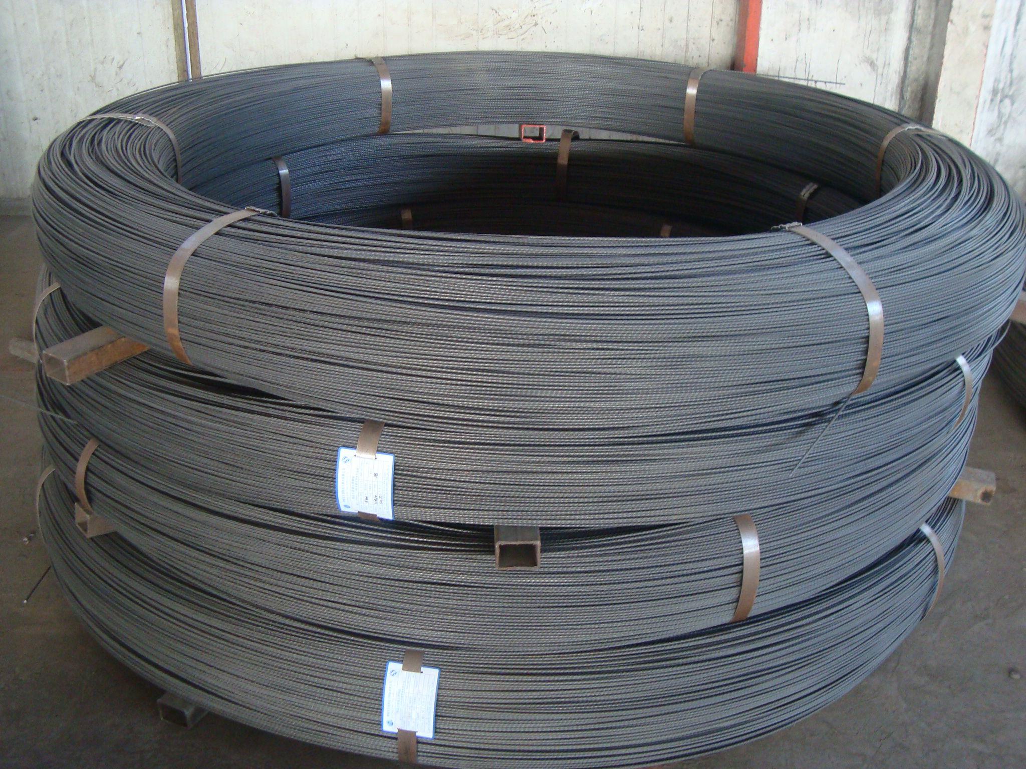 应用于预应力混凝土结构或预应力钢结构的一种钢丝.