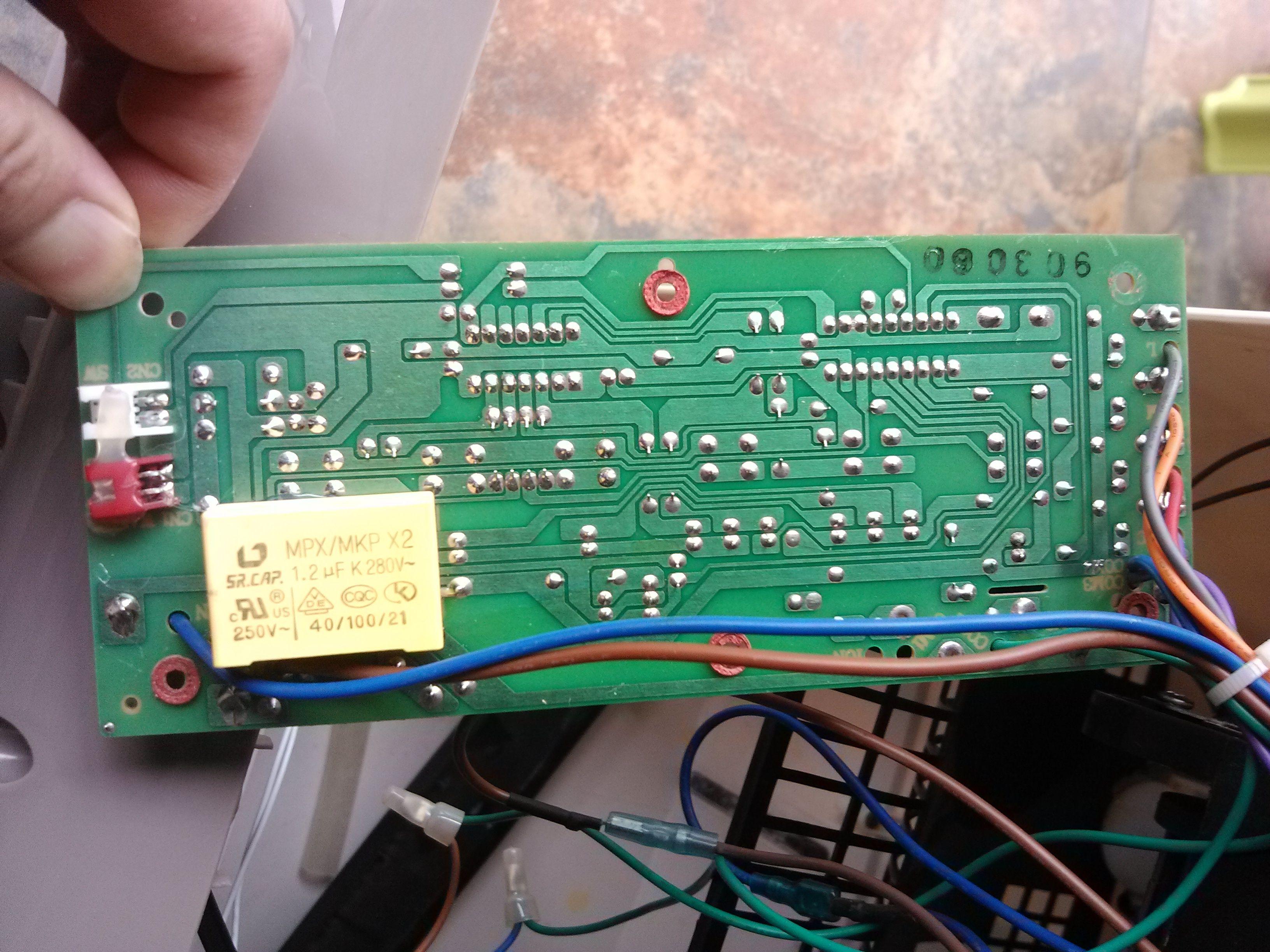 请教此空调扇电路该如何检修