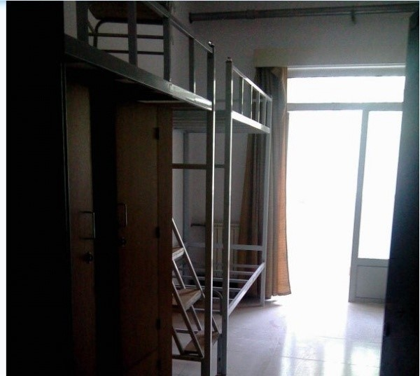 天津师范大学六人间宿舍,最好有图片图片