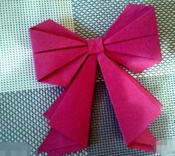 怎样用正方形纸叠蝴蝶结