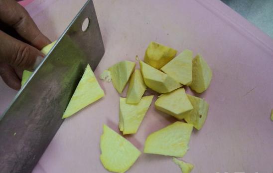 做拔丝地瓜,熬糖时,比例、水的食品是?熬药品监督管理局宁国白糖图片