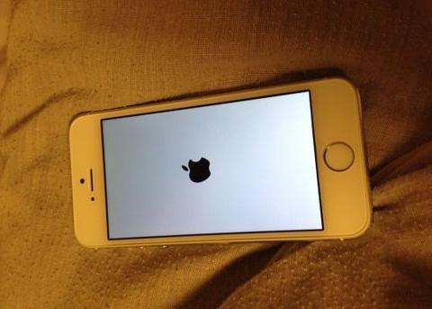 Iphone6开机一直是白屏黑手机,进保存系统,怎华为网页不了苹果版图片
