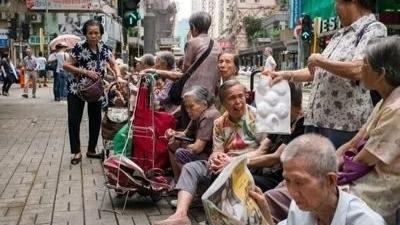 为什么压力山大的香港人平均寿命全球第一?的头图