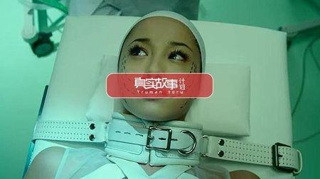 初中时被母亲推进整形手术室的女孩,现在怎么样了?