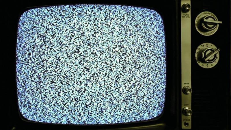 为什么老式电视的雪花可以证明宇宙大爆炸?的头图