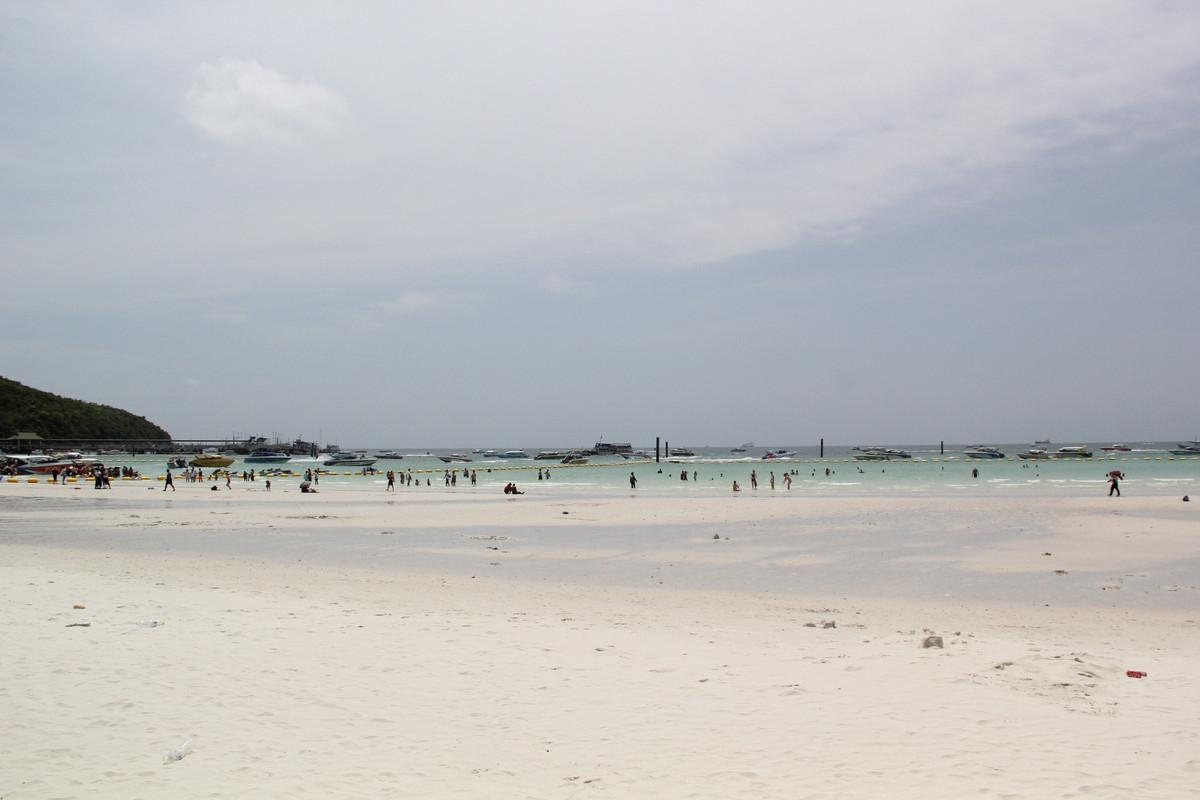 珊瑚岛海滩图片