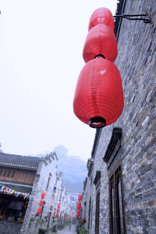 古风韵味十足的大红灯笼!古镇标配图片