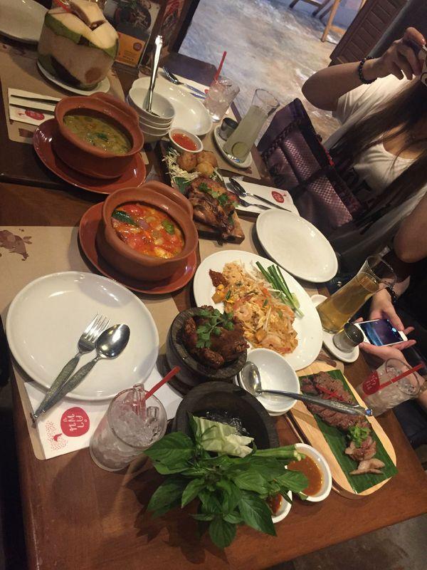 泰国晚餐图片