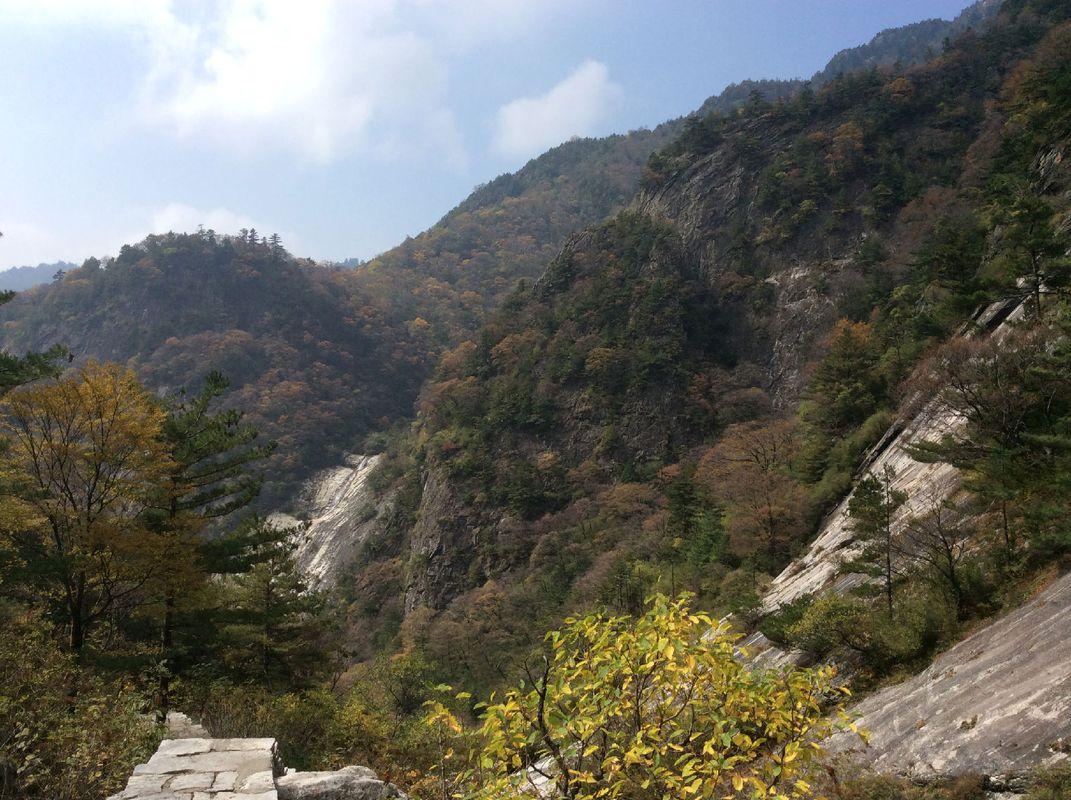 秦岭北麓(陕西西安朱雀森林公园)