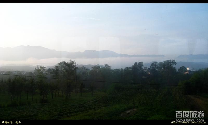 清晨车窗外的风景