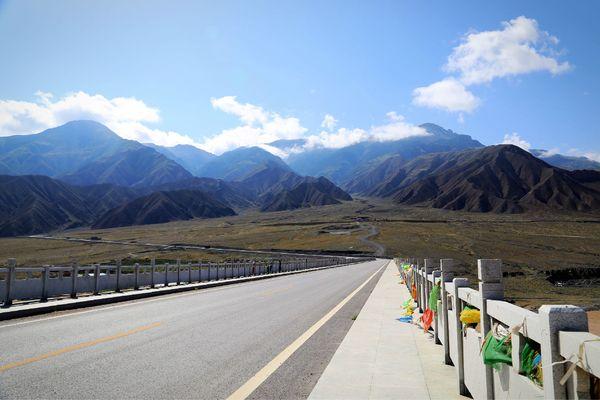 壁纸 道路 风景 高速 高速公路 公路 桌面 600_400
