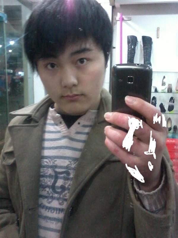 胖脸男生适合什么发型 有图