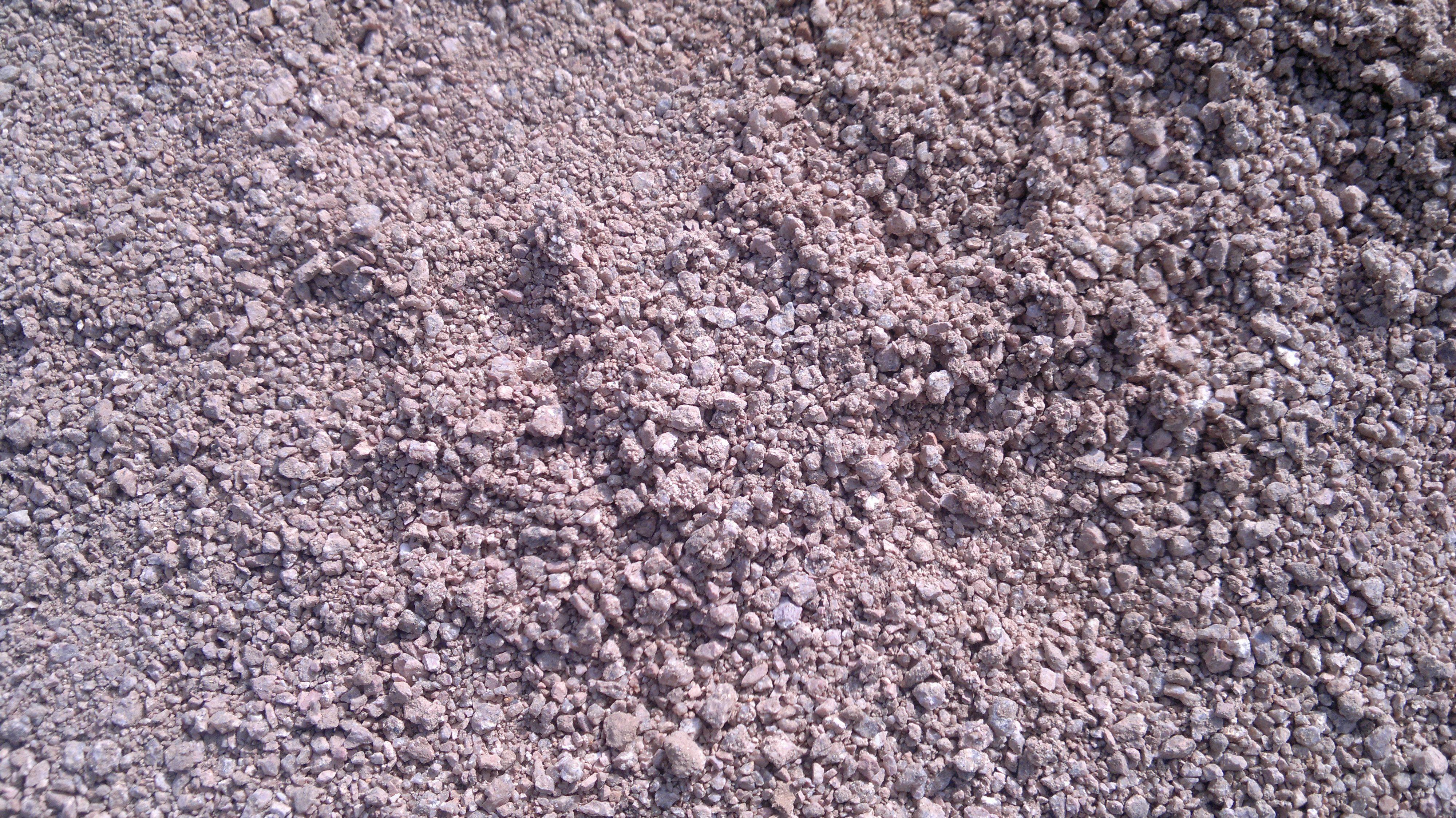 南麻色群_家里承包工程,够了一批沙子,行家来看看是不是麻刚沙
