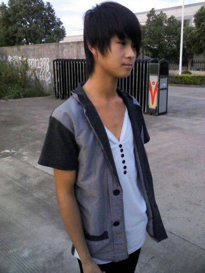 17岁_5张17岁帅哥照片!要同一个人!