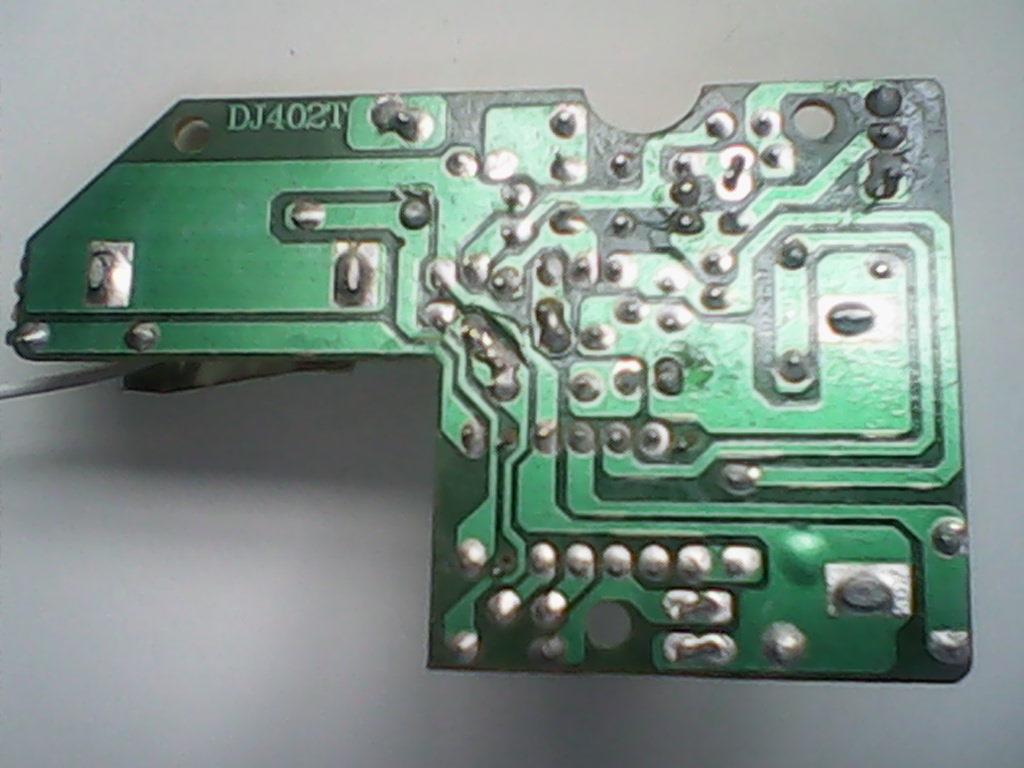 遥控车遥控器电路板上的先都断了 该怎么接啊?答对了加分