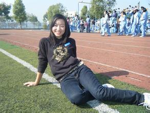 我偷看英语老师跟她_我喜欢上了我们英语老师,怎么办谁有她的的qq,她叫姜洁  &#x
