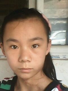 我是一个13岁的小女孩,我的脸型留什么样的头发好看?图片
