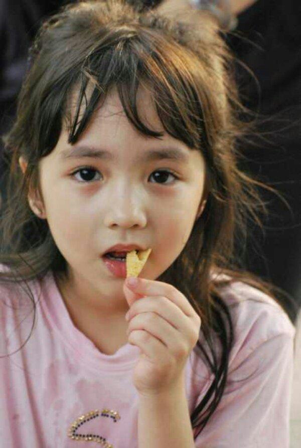 求韩国小女孩克里斯缇娜的表情表情包长搞笑腿