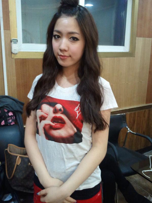 这个mv里的短发女生是t-ara的哪个成员图片