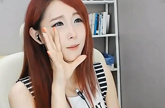 韩国主播光珠_这个韩国女主播叫什么