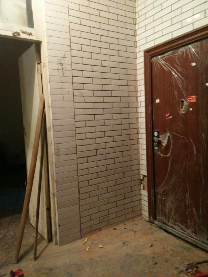 农村房屋改建房间门能在堂屋外面吗?
