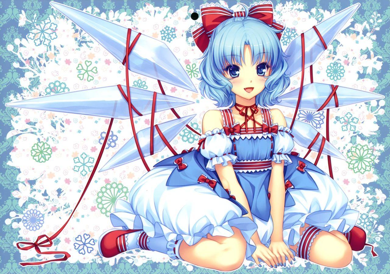 蓝色短头发,蓝眼睛,有冰翼的动漫女孩,求名字和片名