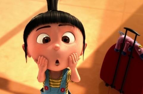这个 黑色短发 齐刘海 扎辫子 大眼睛 大脸 的小女孩